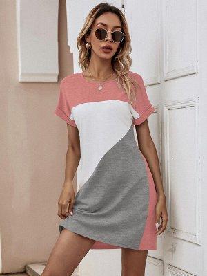Платье-футболка с вырезом
