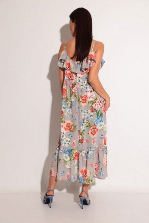 Сарафан Рост: 164-170 см. Состав ткани: 100% полиэстер Легкий, воздушный, женственный сарафан в крупный цветочный принт - всегда популярен в летнем сезоне. Сарафан выполнен на тонких бретелях, имеет м