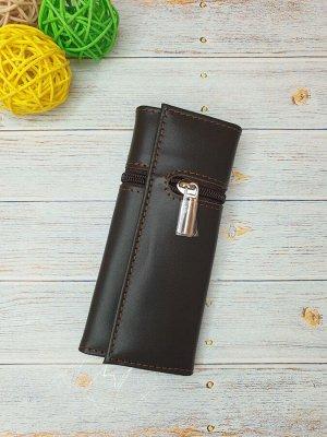 Ключница Ключница. Натуральная кожа. Цвет коричневый. 7x15,5 см