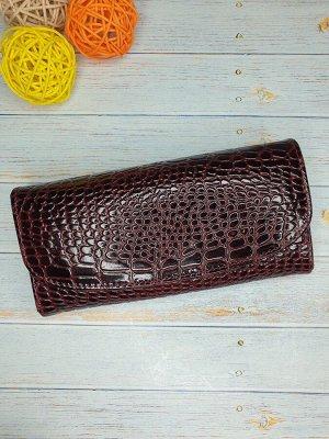 Кошелек Кошелек. Натуральная кожа. Цвет бордо. 18x9,5 см.