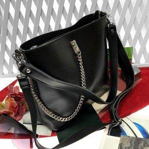 Стильная сумочка Welizz с широким ремнем через плечо из натуральной кожи чёрного цвета.