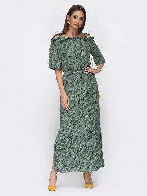 Платье Штапель; Состав: 60% вискоза, 40% хлопок;  Растяжимость: нет Платье-макси в мелкий цветочный принт с невысоким разрезом сбоку. Предусмотрены завязки на горловине и эластичная тесьма в поясе.  Н