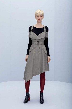 Сарафан Платье женское из костюмно-плательной ткани, полуприлегающего силуэта, отрезное по линии талии, на бретелях, со смещенной бортовой застежкой на четыре петли и пуговицы. На правой части переда