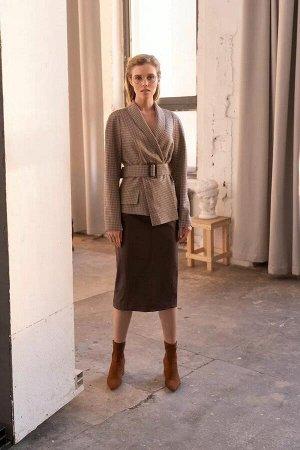 Жакет Жакет женский, из костюмно-плательной ткани, полуприлегающего силуэта со смещенной бортовой застежкой на две пришивные кнопки. Левая часть переда с нагрудной вытачкой, правая часть переда с прор