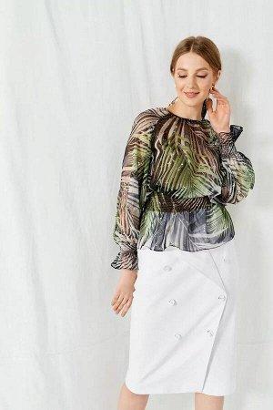 Блуза 100% полиэстерБлуза женская в романтическом стиле. Сборка по горловине переда, рукавам и низу. Рукав реглан, по низу рукава резинка. Верх спинки оформлен в каплю с застежкой на петлю-пуговицу. Н