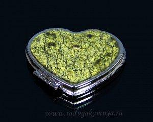 Зеркало с накладкой из змеевика сердце 70*68*10мм, серебристое