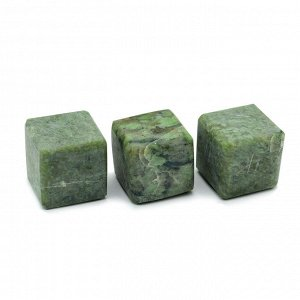 Камни для виски 3 кубика из жадеита 20*20мм.