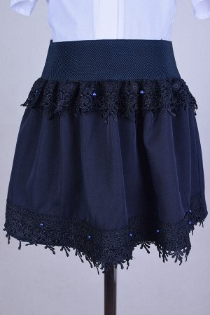Юбка миди Юбка для девочек школьного возраста, выполнена из ткани габардин. Длина юбки на 34 размер - 31 см. Полочка декорировано кружевами и бусинками. Отличная и красивая моделька для школьного гард