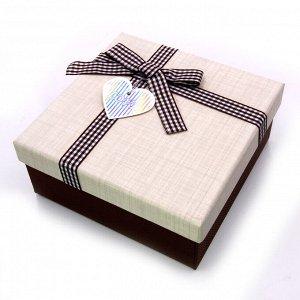Коробочка МОЛОЧНЫЙ ШОКОЛАД мал подарочная бантиком 15.5см-15.5см-6,5см