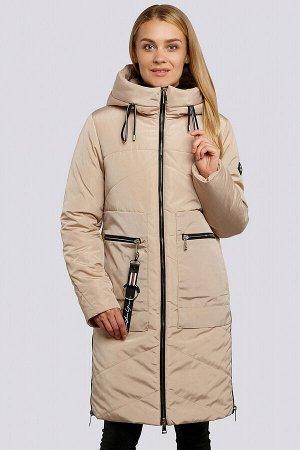 Бежевый Яркий акцент в ваш зимний гардероб внесет красивое зимнее пальто с накладными карманами. Силуэт прямой, умеренного объема. Центральная застежка на «молнии». Накладные карманы имеют 2 входа: