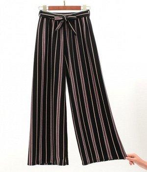 """Женские классические брюки, принт """"Красно-зеленые полосы"""", цвет черный"""