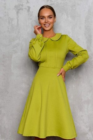 Платье Платье-трапеция. Невероятного и играющего цвета- лайм. Создает стильный и женственный образ. Модель отрезная по линии талии. Округлый отложной воротничок и собранный на декоративную пуговичку р