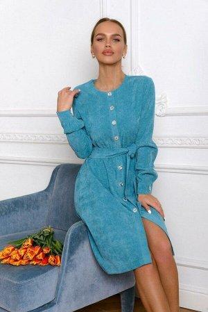 Платье Это платье удивительным образом сочетает удобство домашней одежды и женственность X-силуэта. Мягкий вельвет цвета морской волны с резиночкой на талии идеально подчеркнёт её изгибы. Классическая