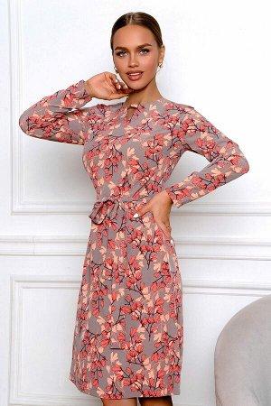Платье Платье выполнено из 100% п/э, лёгкое, дышащее, очень комфортное к телу. Веточки с весенними цветами создают романтический настрой, крой придает образу лёгкость. Отличная посадка по фигуре, длин