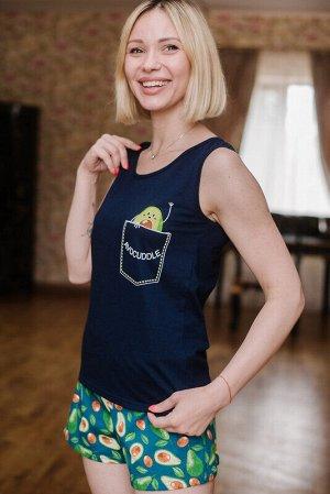 Пижама Ткань: Кулирка (100% хлопок) Цвет: Зеленый Год: 2021 Страна: Россия Женская пижама: майка с принтом и шорты на резинке. 42 размер: длина по спинке - 60 см, ПОг - 40 см, ПОт - 40 см. Длина шорто