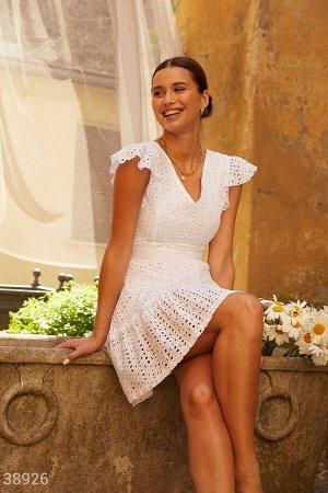 Белое платье с крылышками