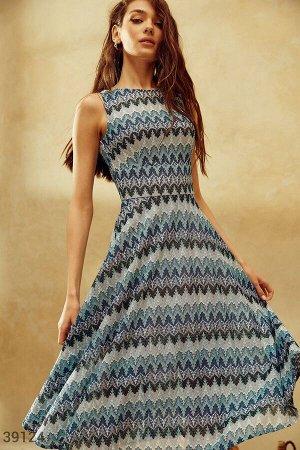 Летнее платье с орнаментом