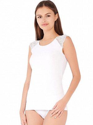 Майка ЦВЕТ: БЕЛЫЙ Майка женская бельевая со спущенным плечом. Вырез горловины круглый, плечо декорировано кружевом. Майка будет превосходно сочетаться с одеждой любого стиля. Состав: 75% Хлопок/20%Пол