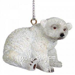 Елочная игрушка Мишка Дерек - Полярный малыш из Гренландии 5 см, подвеска (Goodwill)