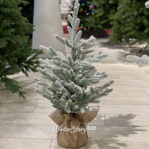 Настольная елка Кембридж со светодиодами заснеженная в мешочке 75 см, 35 теплых белых LED ламп на батарейках, ЛИТАЯ 100% (National Tree Company)