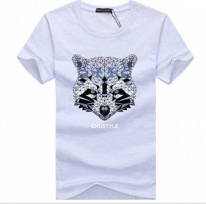 """Мужская футболка, принт """"Геометрический енот"""", с надписью, цвет белый"""