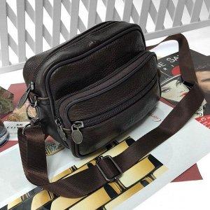 Мужская сумка Mustang_Horse из мягкой натуральной кожи с ремнем через плечо шоколадного цвета.