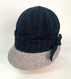 Темная шляпа со светлым козырьком  №1361