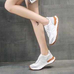 Женские кроссовки, с серыми вставками, цвет белый