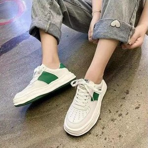 """Женские кроссовки, надпись """"C&S Cat&Sofa"""", с зелеными вставками, цвет белый"""