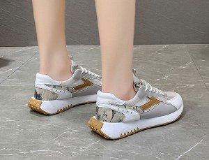 """Женские кроссовки, с принтом """"Буквы"""" на вставках, с необычной подошвой, цвет коричневый/серый/белый"""