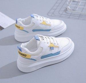 Женские кроссовки, с голубыми и желтыми вставками, с надписью, цвет белый