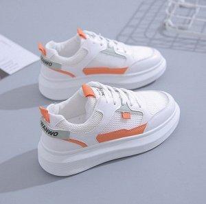 Женские кроссовки, с оранжевыми вставками, с надписью, цвет белый