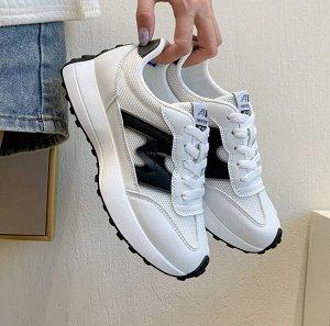 """Женские кроссовки, надпись """"New fashion 520"""", цвет белый/черный"""