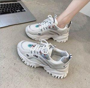 Женские кроссовки, с серебряными вставками, с надписями, цвет белый