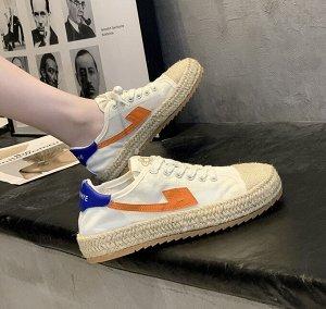 """Женские кроссовки, с плетеным носком, принт """"Цветок"""", цвет белый/оранжевый"""