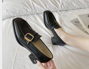 Женские туфли,  с фурнитурой, цвет черный