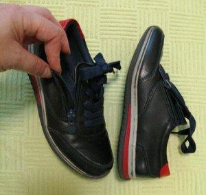 кроссовки для мальчика 31,5 (32) размер