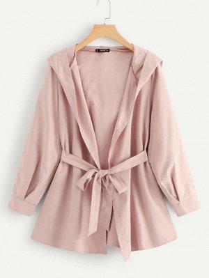Простое пальто с капюшоном и поясом
