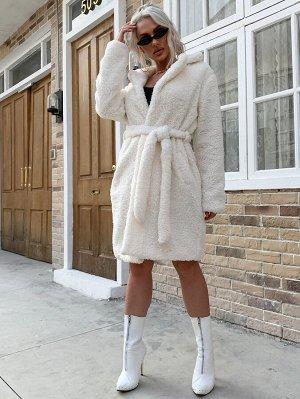 Eilly Bazar Плюшевое пальто с карманом и поясом