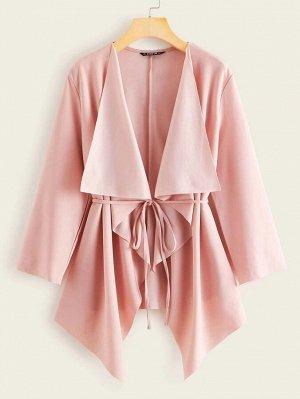 Асимметричное пальто с поясом и каскадным вырезом