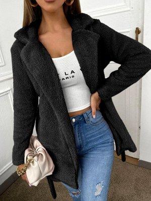 Плюшевое пальто с поясом и лацканами
