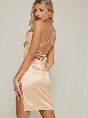 Платье с открытой спиной и шнурком