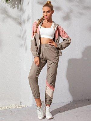 Контрастная спортивная куртка на молнии и спортивные брюки