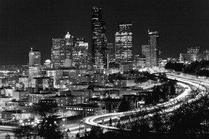 Фотообои Ночной город черно-белые