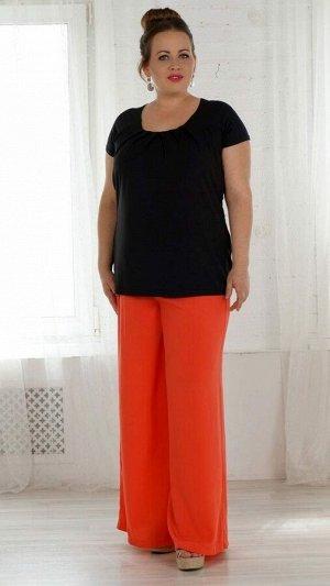 Блуза Блуза из трикотажного полотна . Вырез горловины круглый, декорирован четырьмя встречными защипами . Рукав короткий, реглан, длина рукава 44-46 р 20 см, в 48-50 р 21 см, в 52-54 р 22 см, в 56-58