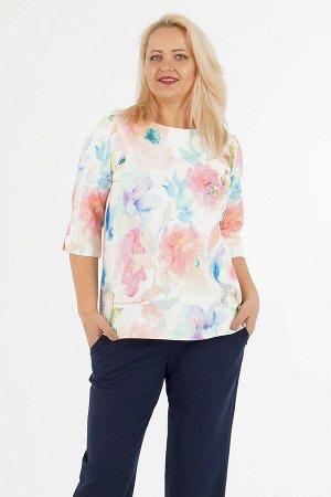 Блуза Блуза свободного силуэта. Выполнена из костюмной ткани. Расцветка акварель цветы на белом.  Круглый вырез горловины. Рукава 3/4 39 см. Низ прямой. ДИ в 48-52 р перед от плеча 68 см, спинка от п