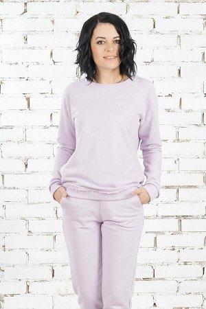 Комплект Комплект джемпер и брюки. Джемпер выполнен из хлопкового турецкого трикотажного полотна футер трёхнитка. Расцветка лиловый. Круглый вырез горловины. Рукава реглан длинные с манжетами, длина о