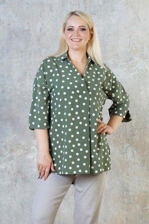 Блуза Летняя удлинённая блуза свободного силуэта. Выполнена из эластичной блузочной ткани. Расцветка белый горох на хаки. Рубашечный воротник и V-образный вырез. Рукава 3/4 длина 28 см. Без застёжки.