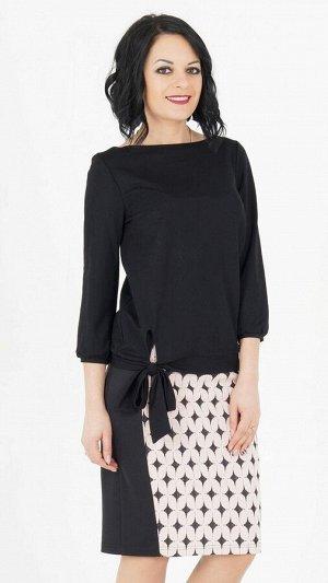Блуза Блуза выполнена из эластичной блузочной ткани. Вырез горловины лодочка. Рукава 3/4, длина 48 смс манжетами. Низ на ножке с бантом. Без подклада. ДИ в 42-44 р 61 см, в 46-48 р 62 см, в 50-54 р 6