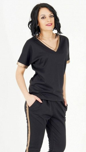 Блуза Блуза из плотного трикотажного полотна. V-образный вырез горловины. Короткие рукава 30 см от плеча. Низ прямой. Без подклада. Без застёжки. ДИ в 42-44 р 63 см, в 46-48 р 64 см, в 50-54 р 66 см.